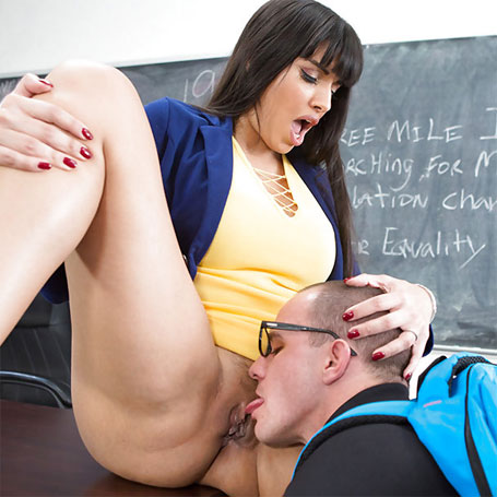 Lucky Schoolboy Licked Out Teachers Cunt
